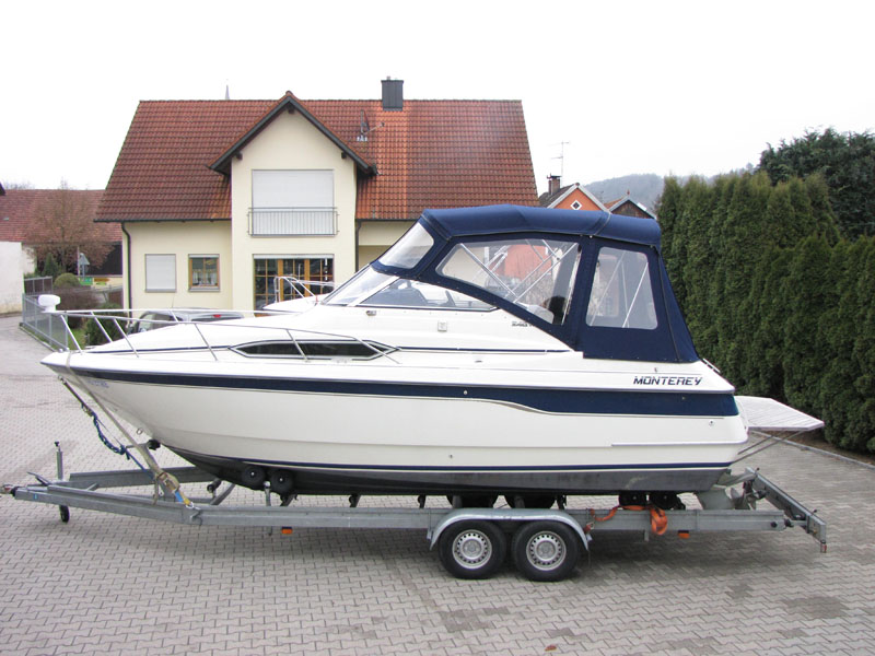 Verdeck mit Gestaenge Edelstahl Monterey 246 SEL Bootsverdeck Persenning 03
